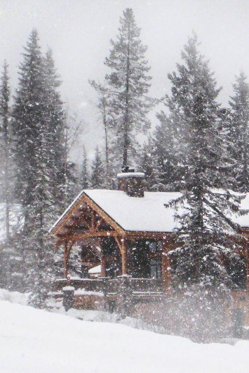 Zdroj fotky: http://habituallychic.luxury/2014/12/winter-wonderland-2/