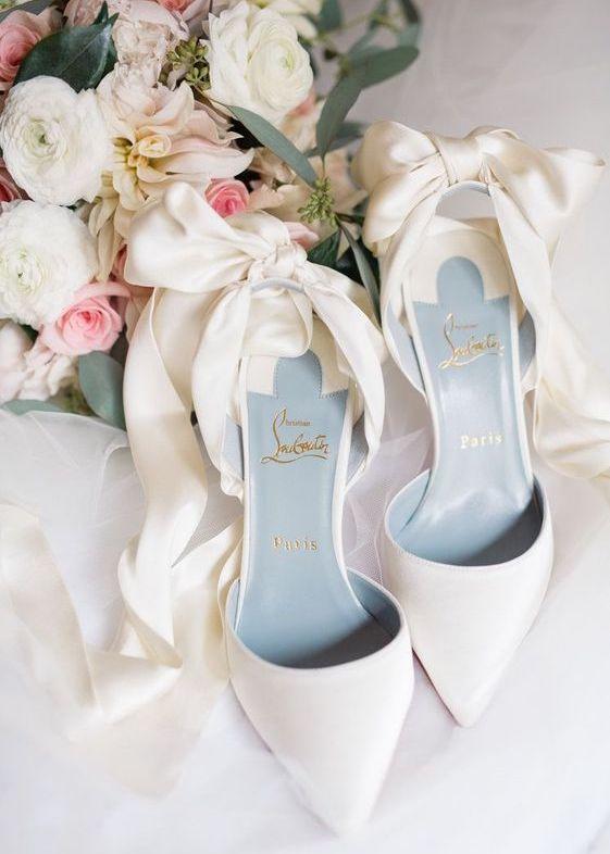 Zdroj obrázku: http://myweddingguides.com/gallery/wedding-shoes/
