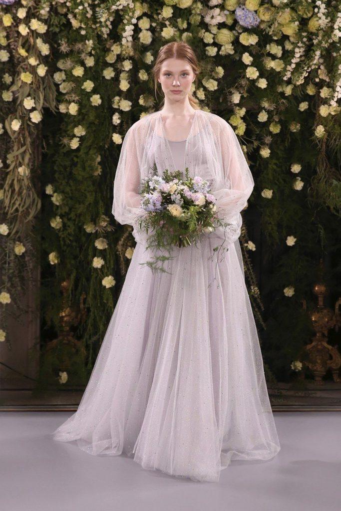Zdroj obrázku: http://www.jennypackham.com/index.php/bridal/bridal-collections/2019/jpb747-jpb770.html